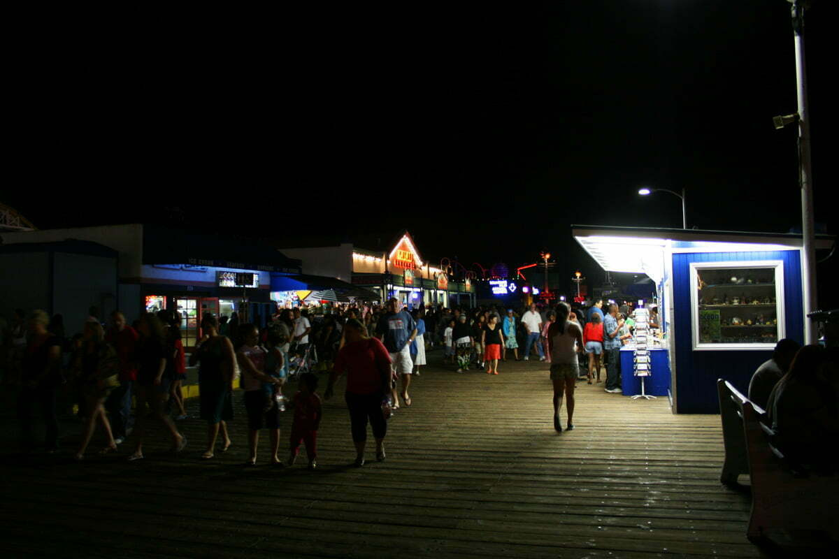 boardwalk-night-scene