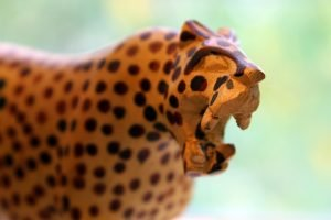 wood-carved-leopard