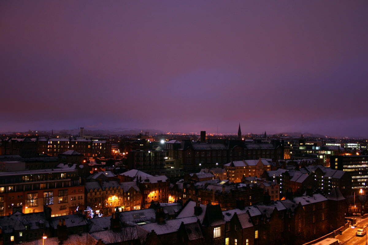 snowy-edinburgh-night